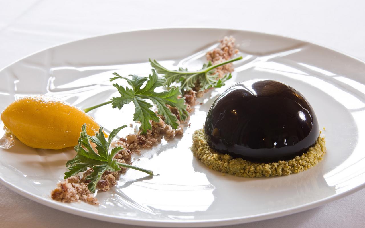 Creamy chocolate dessert, gourmet restaurant castle auvergne, Château d'Ygrande.