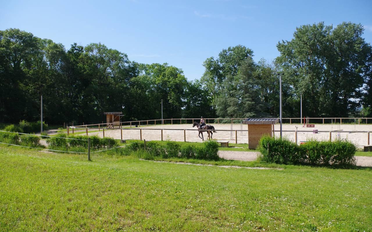 Cours d'équitation, piscine spa découvertes auvergne allier, Château d'Ygrande
