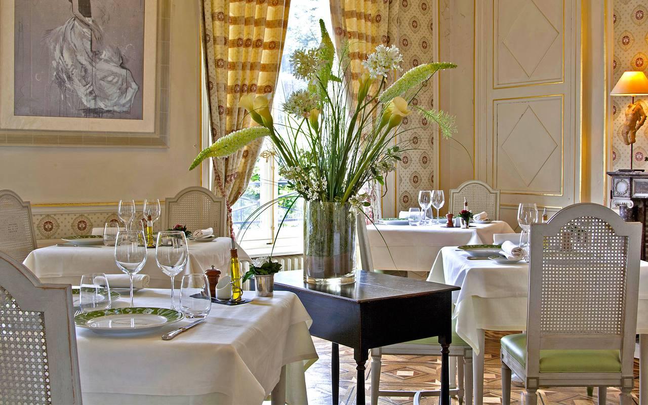Tables du restaurant, restaurant gastronomique en Auvergne, Château d'Ygrande.