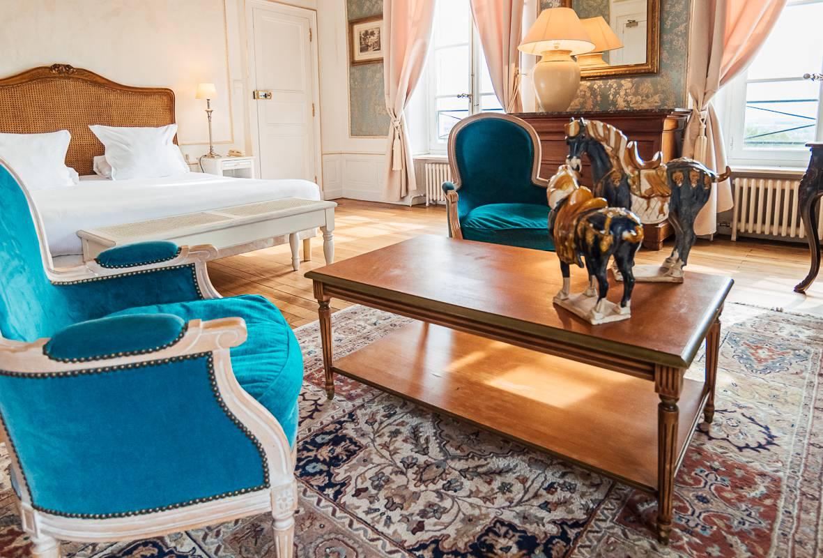 Grande chambre luxueuse, hôtel 4 étoiles auvergne, Château d'Ygrande