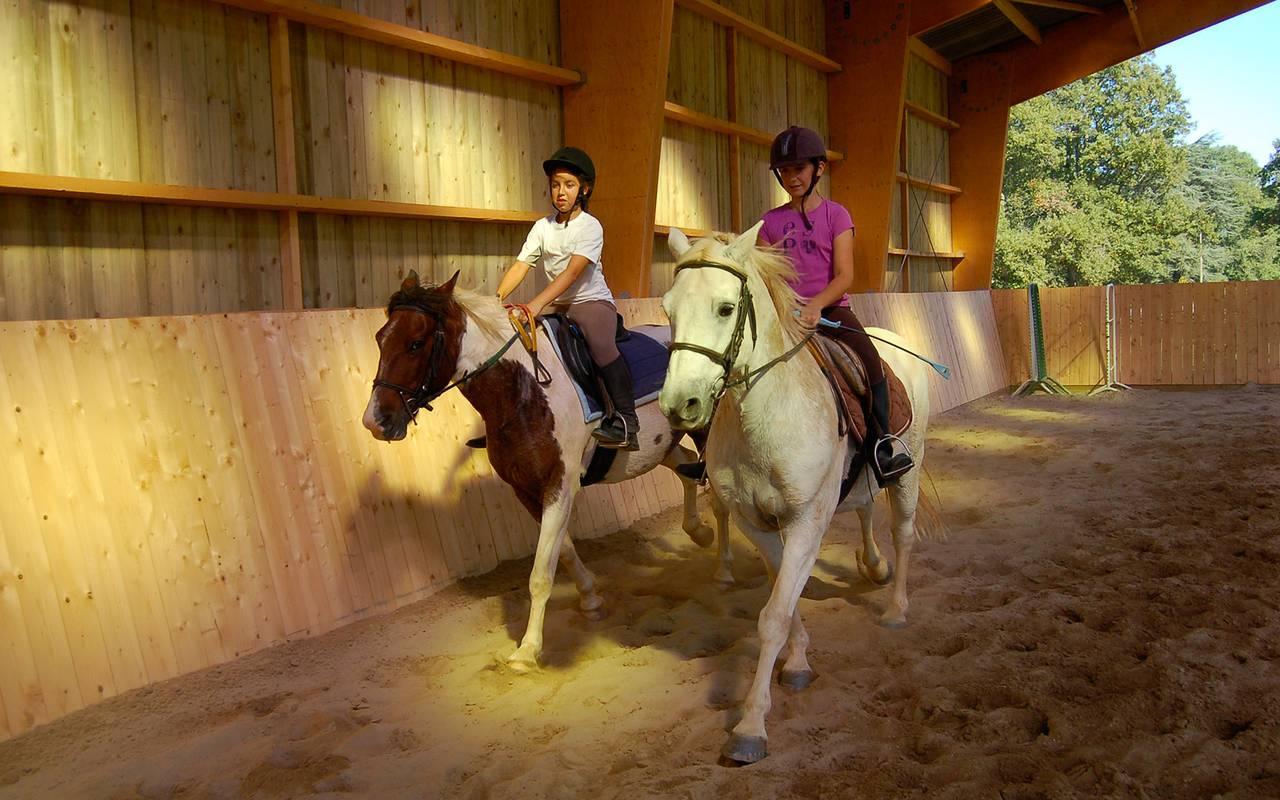 Riding lessons, auvergne stay, Château d'Ygrande