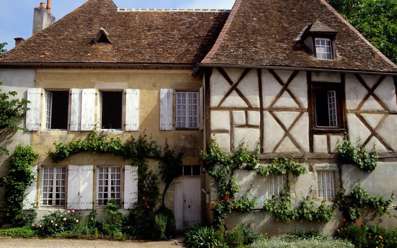 Verneuil, séjour découverte campagne bourbonnaise, Château d'Ygrande