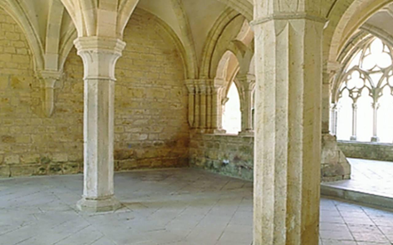 Abbey, auvergne stay, Château d'Ygrande
