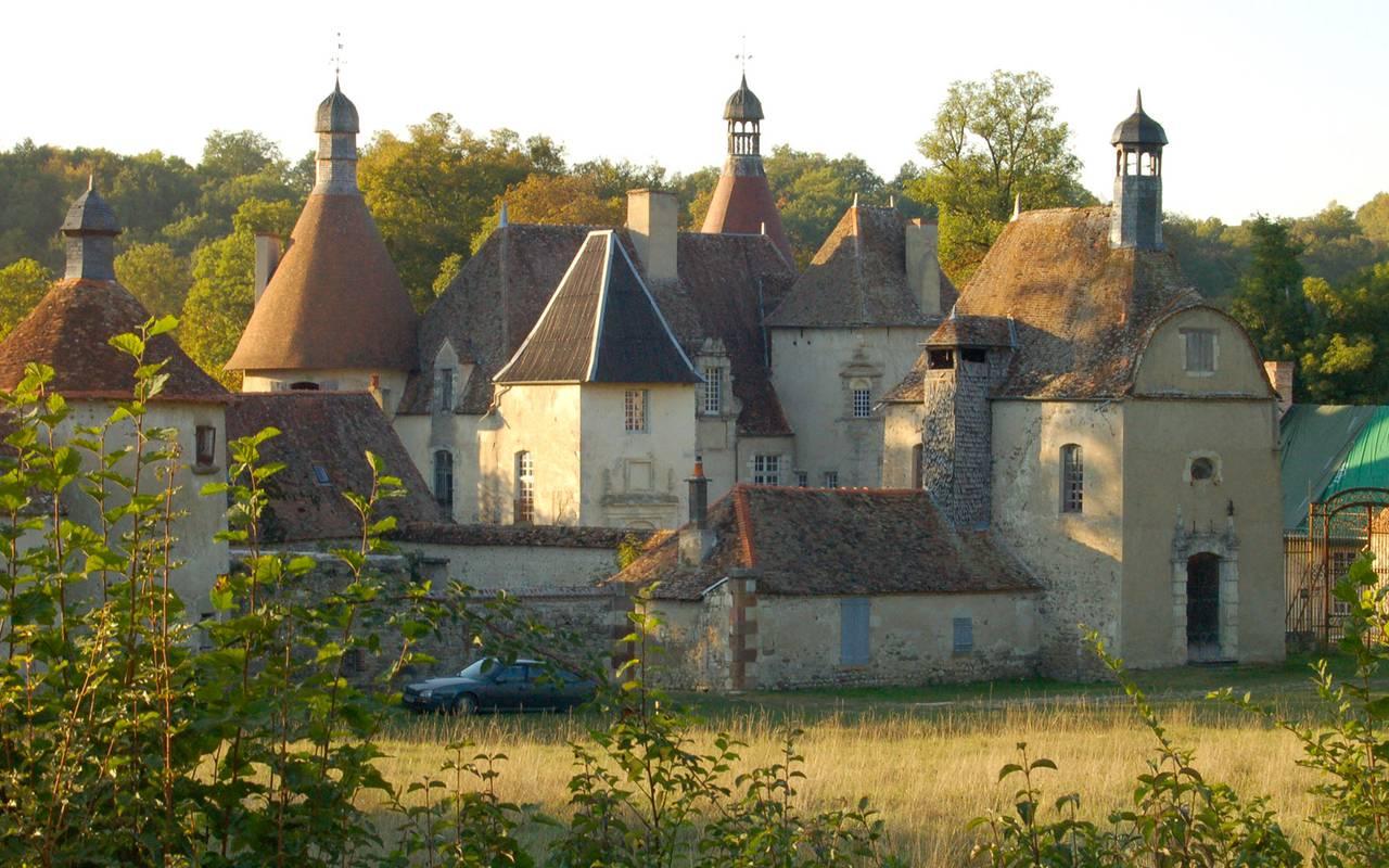 Château Vieux Bostz, séjour découverte campagne bourbonnaise, Château d'Ygrande