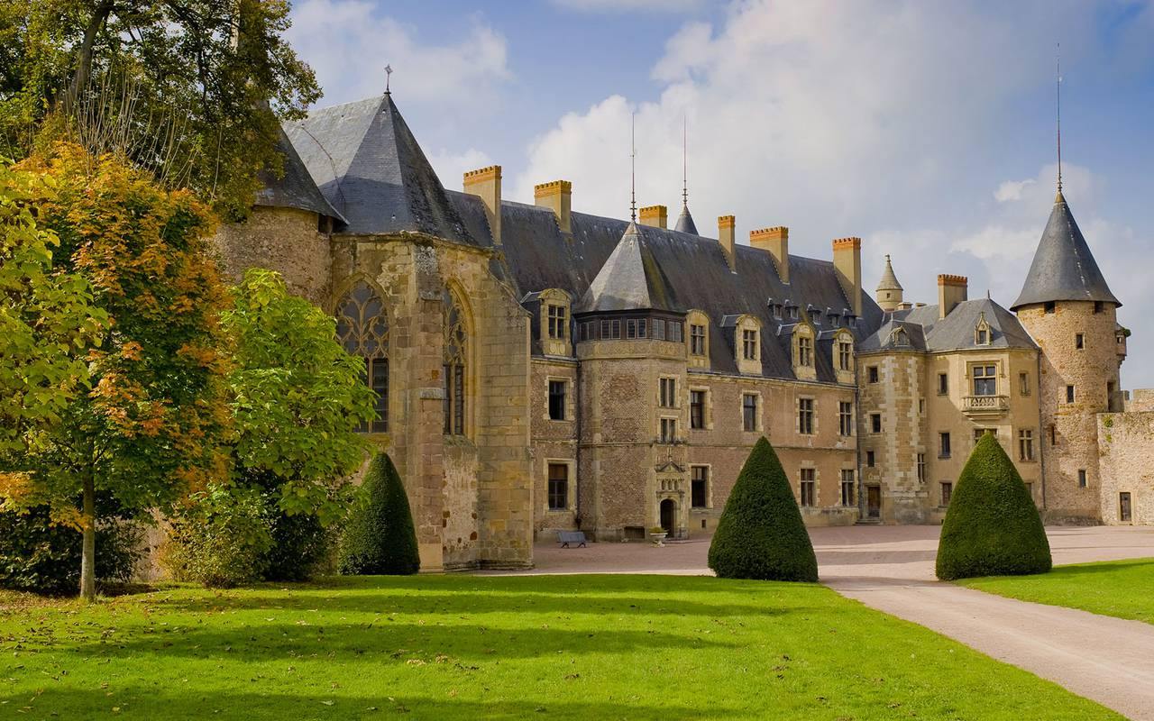 Palice Castle, auvergne stay, Château d'Ygrande