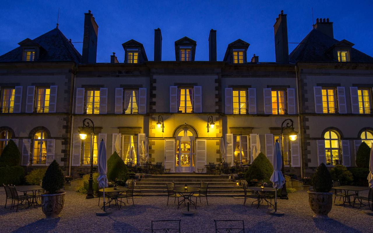 Château la nuit, séjour romantique, Château d'Ygrande.