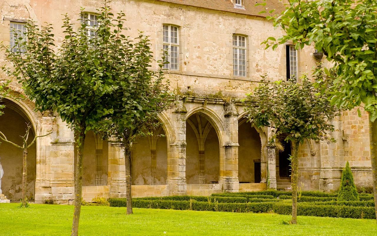 Bâtiment, séjour découverte campagne bourbonnaise, Château d'Ygrande