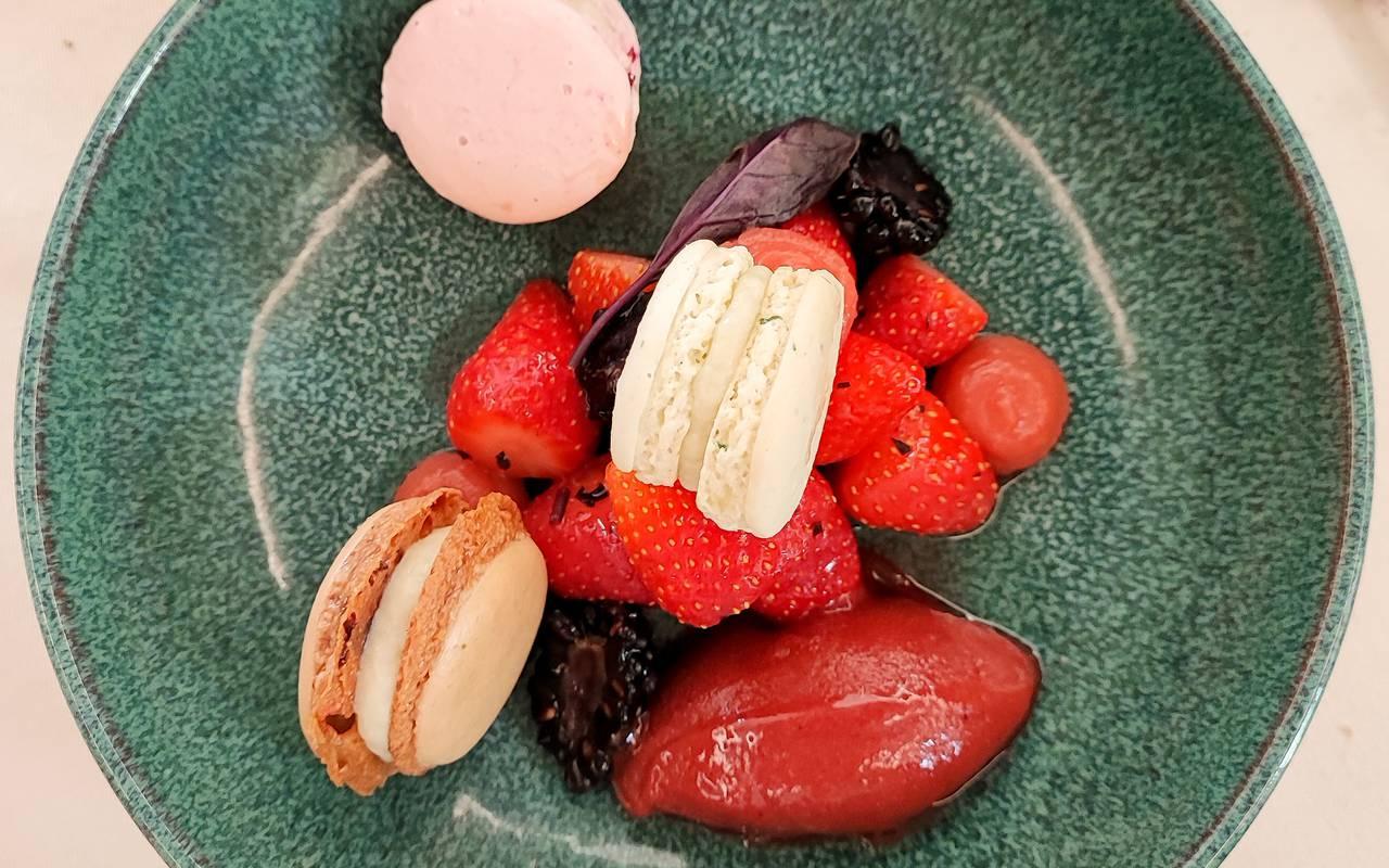 Magnifique plat avec poisson et carottes, weekend gastronomique auvergne, Château d'Ygrande.