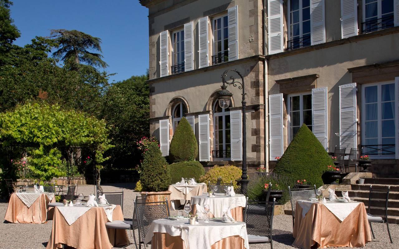 The restaurant's terrace, gastronomy castle auvergne, Château d'Ygrande.