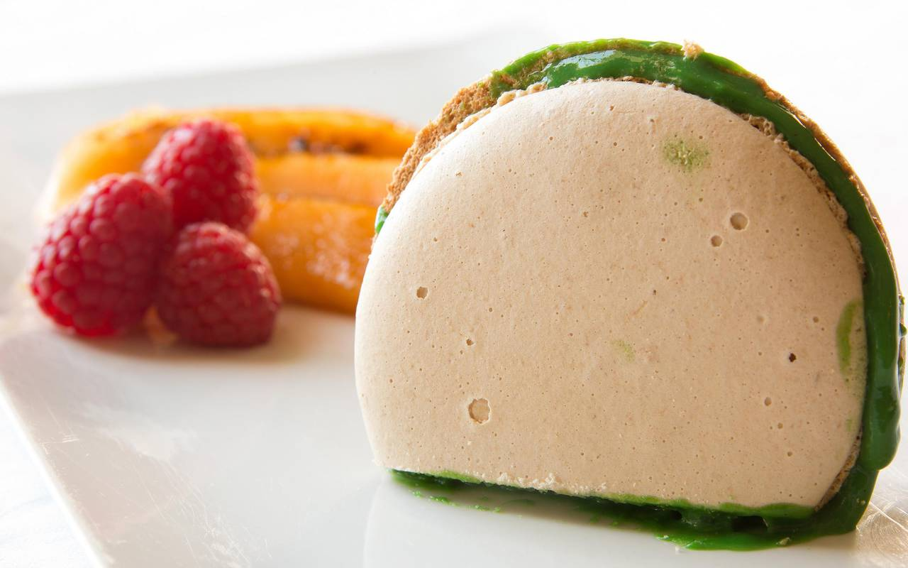 This delicious dessert is served in the hotel's restaurant, gourmet restaurant castle auvergne, Château d'Ygrande.